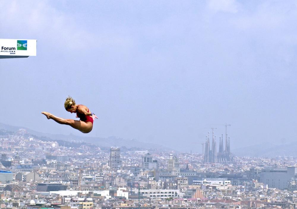 Italian diver Tania Cagnotto participates in the 2003 Swimming World Championship in Barcelona, Spain / PHOTO: SHUTTERSTOCK.COM