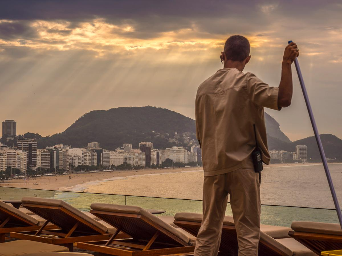 Rio's dynamic landscape was one inspiration for the design of the hotel / Fernando Guerra