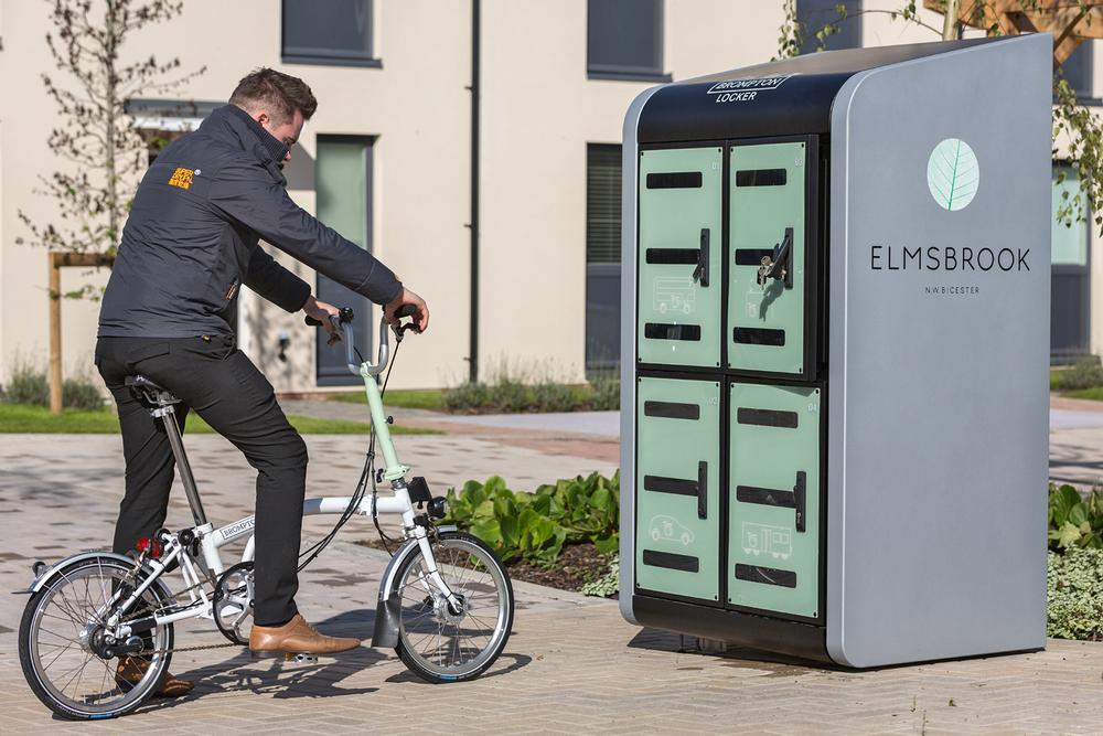 Elmsbrook Healthy New Town in Bicester, Oxfordshire has extensive wellness 