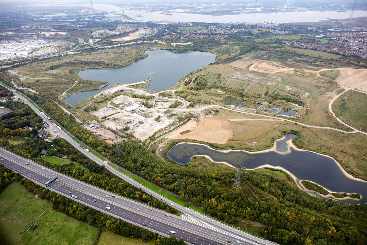 Located 17 minutes from Central London by high-speed rail and two hours from Paris and Brussels by Eurostar, Ebbsfleet is already a major railway hub between London and Europe / Landscape Institute