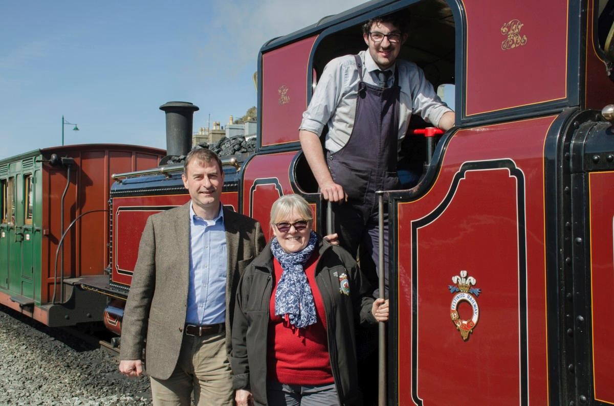 Karen Spring (centre) has been named project manager for the training scheme / Ffestiniog and Welsh Highland Railways