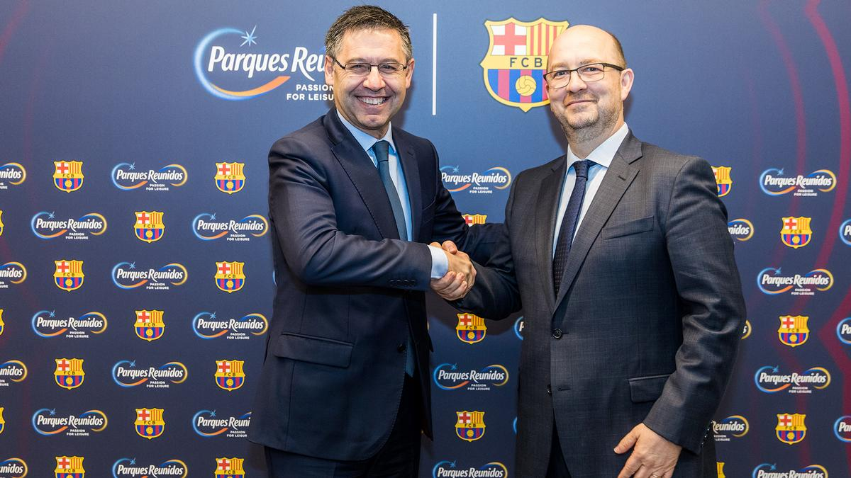 Club president Josep Maria Bartomeu has signed a five-year agreement with leisure park developer Parques Reunidos and its delegate councillor Fernando Eiroa / FC Barcelona