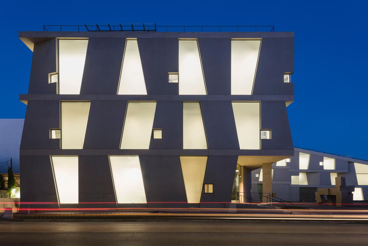 The newly-opened Glassell School of Art / Steven Holl Architects