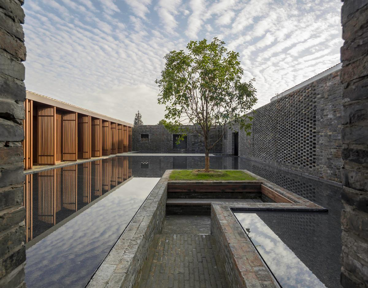 Neri&Hu Design and Research Office - The Walled - Tsingpu Yangzhou Retreat, Yangzhou, China / Neri & Hu
