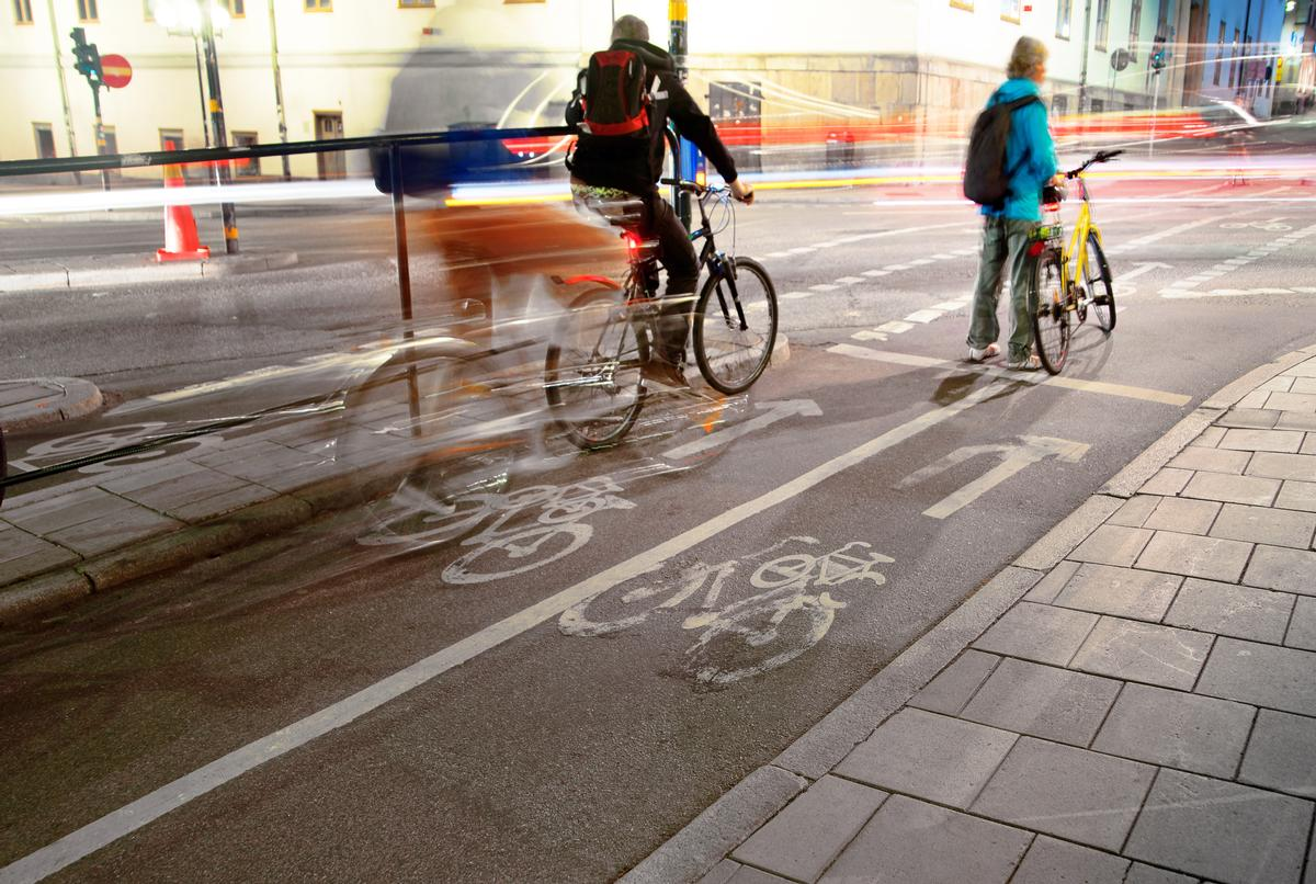 The 'Beelines' network will be the largest joined-up system of walking and cycling routes in the UK / Shutterstock