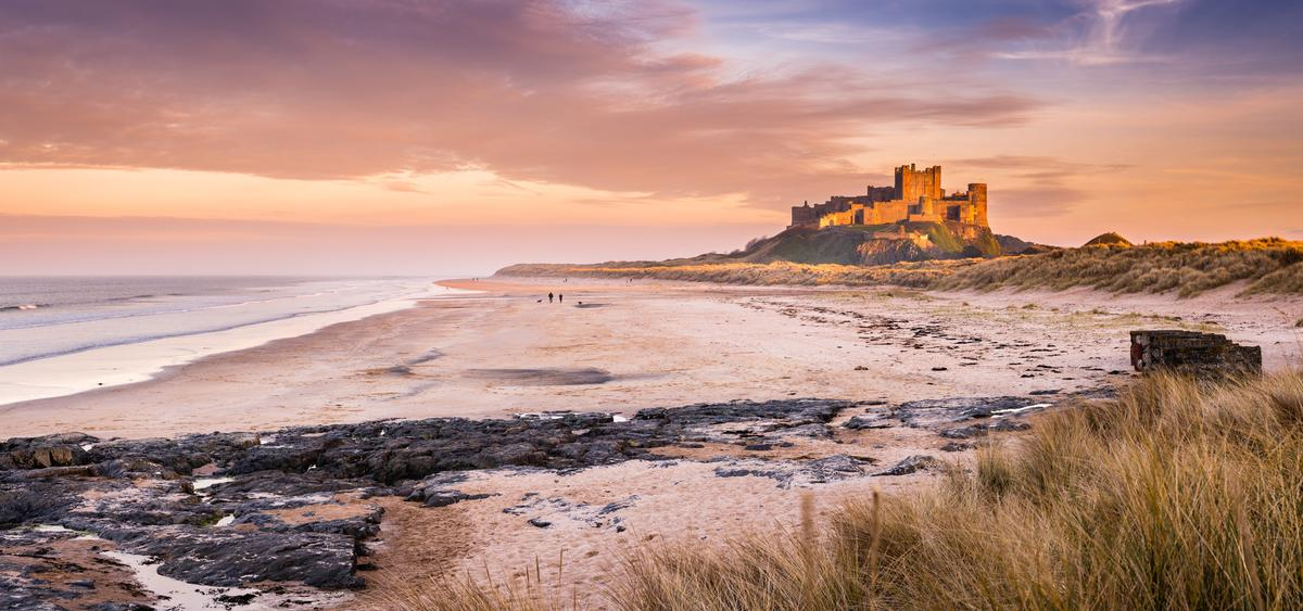 English Heritage is encouraging visitors across the country to visit Britain's castles / Shutterstock.com