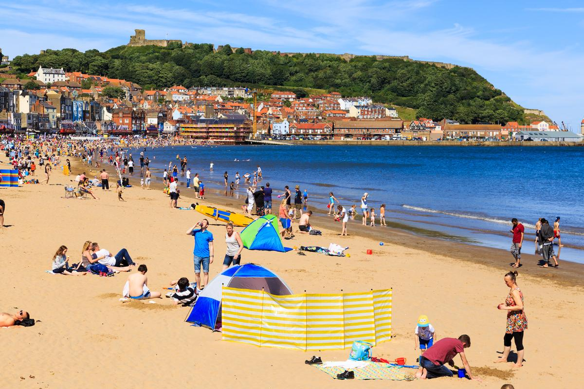 The current heatwave in the UK has led to an economic upturn for the country's tourism industry / Shutterstock