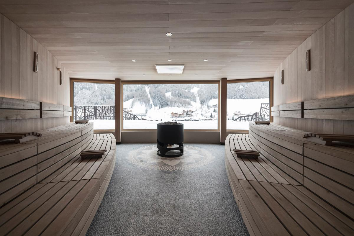 The sauna at Silena looks directly out to the Tyrolese countryside