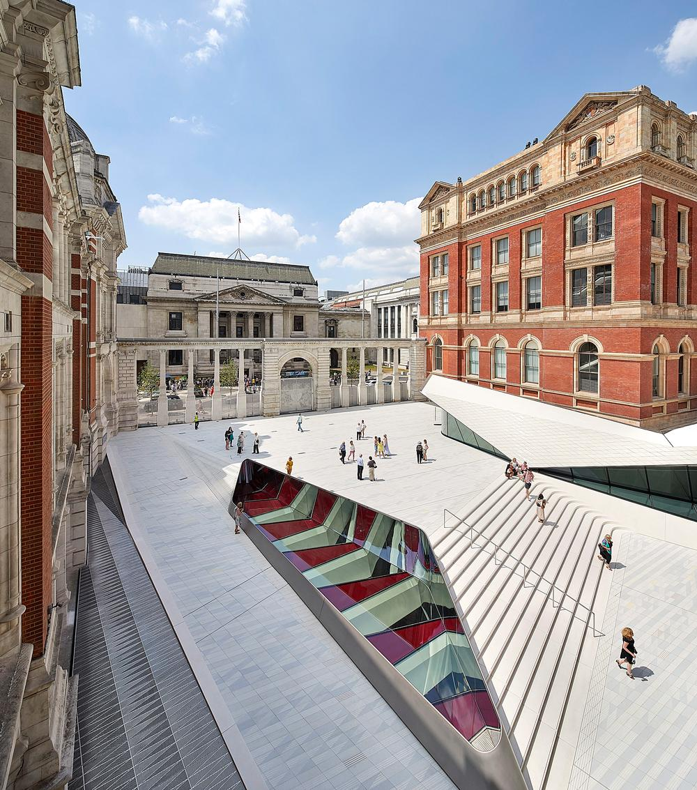 AL_A installed 11,000 hand-crafted tiles to create the 'world's first' porcelain public courtyard / Images this page: Hufton+Crow
