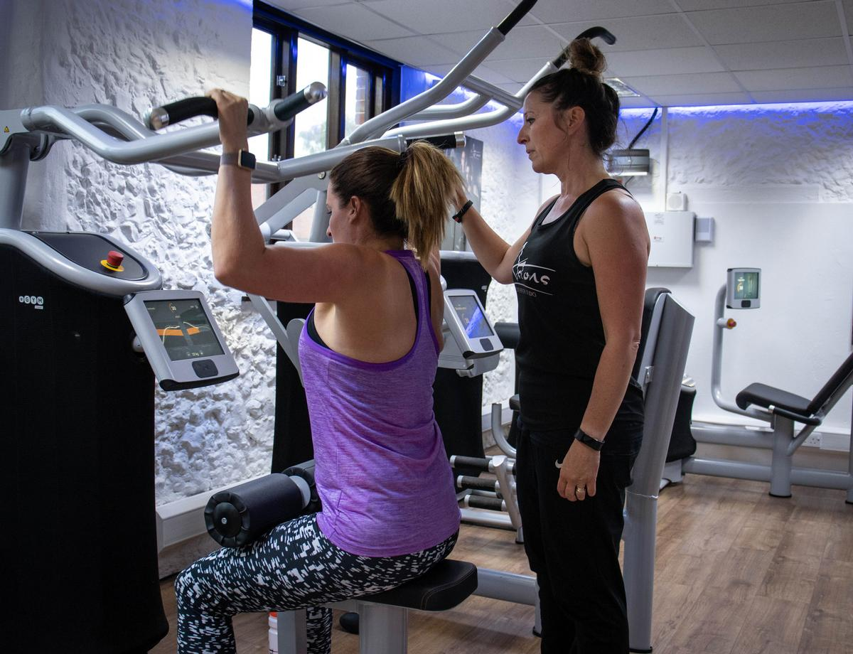 eGym's SmartStart offers individualised training with intuitive and progressive personalised workouts.