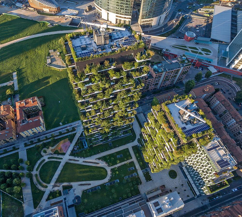 Boeri's first vertical forests are neighbouring residential towers in central Milan, each with 900 trees and 20,000 shrubs / Stefano Boeri Architetti