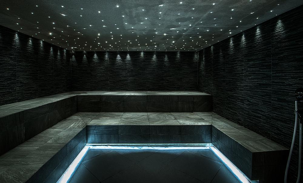 Facilities include a spa
