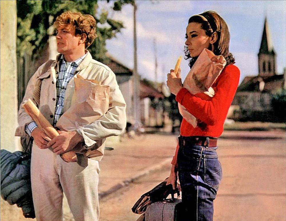 Albert Finney plays architect Mark Wallace and Audrey Hepburn plays his wife, Joanna, in Two for the Road (1967)