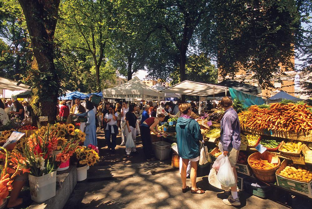 The city has an active farmers' market scene, encouraging people to buy local produce / Photo: © BRUCE FORSTER