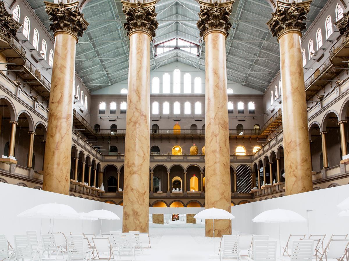 Snarkitecture's BEACH at the National Building Museum / Noah Kalina
