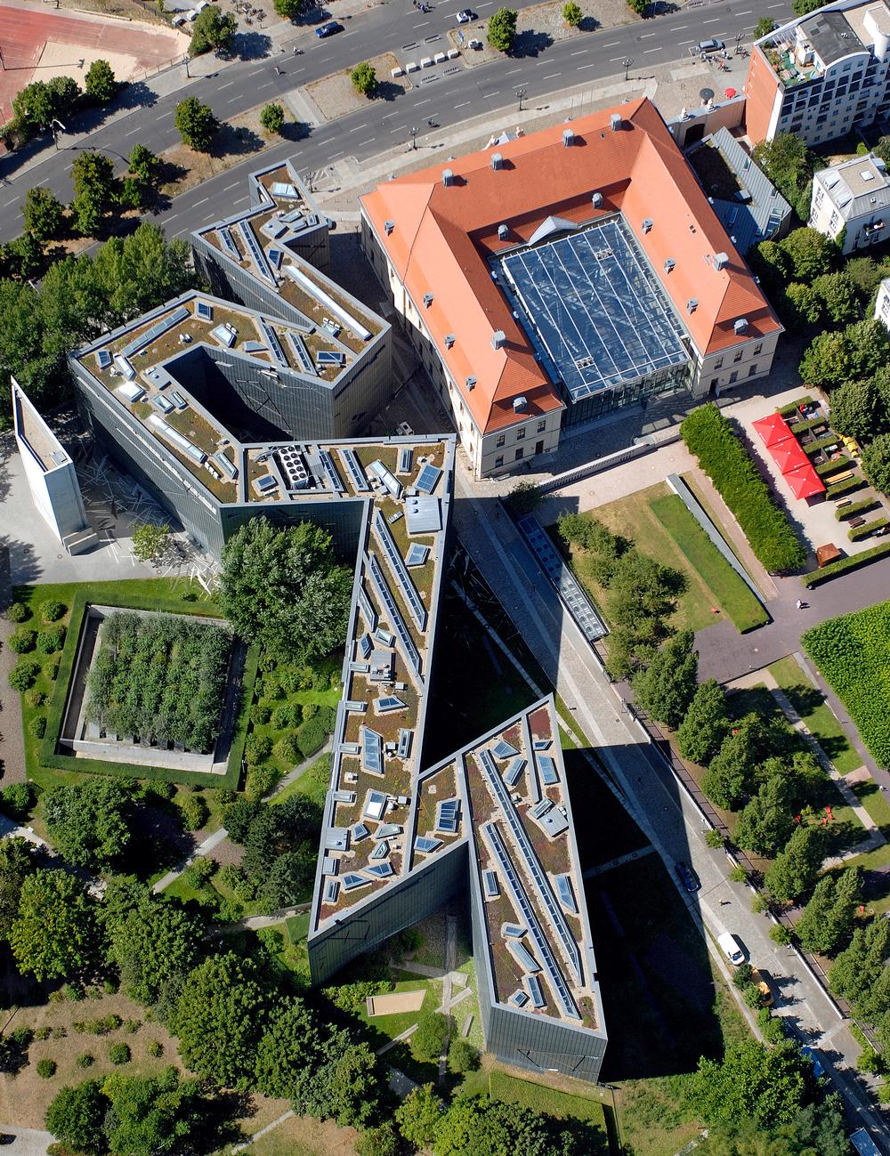 An aerial view shows the zigzagging footprint of the Jewish Museum in Berlin, Libeskind's first project / PHOTO: Günter Schneider