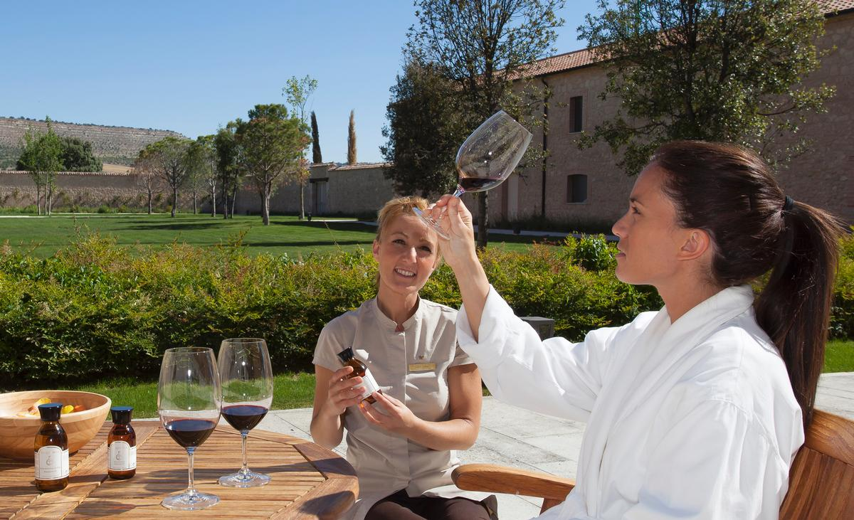 The spa's vinotherapy concept is based on a blind tasting of wines and the smelling of oils / Abadía Retuerta LeDomaine