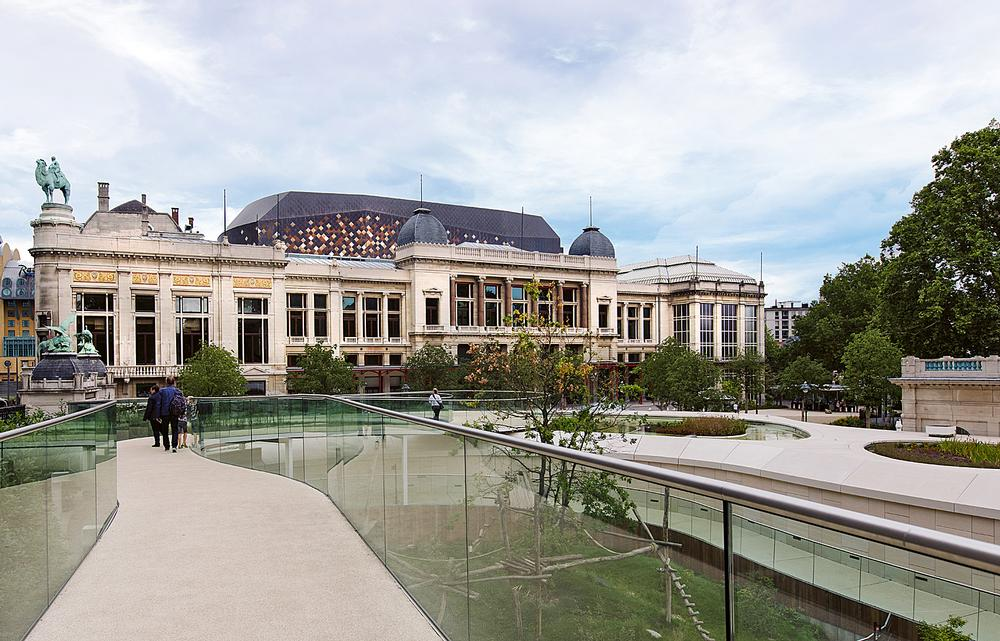The renovation has restored links with adjoining buildings, and with  Antwerp Zoo
