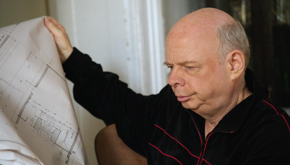 Wallace Shawn plays architect Halvard Solness in A Master Builder (2013)
