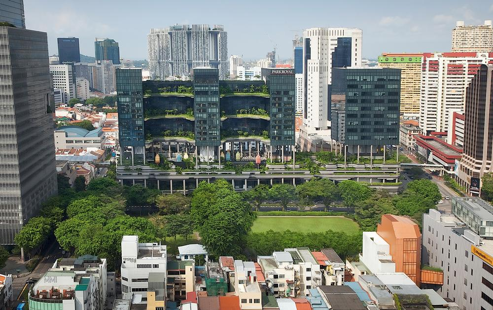 WOHA's Parkroyal on Pickering was conceived as an extension of Hong Lim Park. It features tropical plant-covered balconies and terraces / Photo: ©Patrick Bingham-Hall