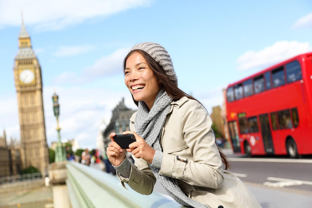 Chinese tourists typically spend four times more than the average visitor to the UK / Shutterstock.com / Maridav
