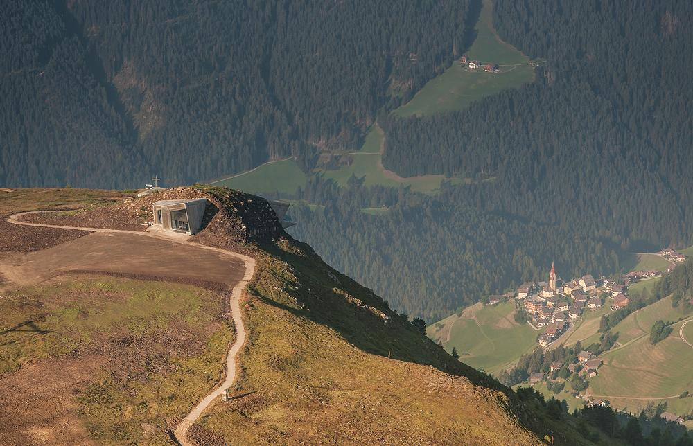 The museum is embedded into the peak of Mount Kronplatz and features a viewing platform / PHOTO: © Zaha Hadid