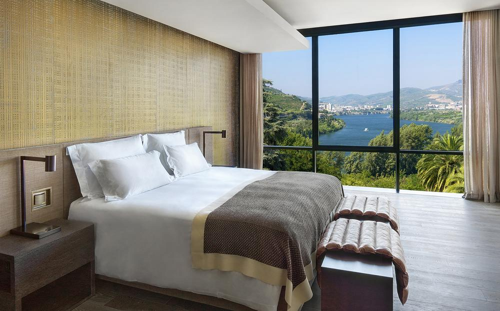 Bedrooms look out over the Douro River