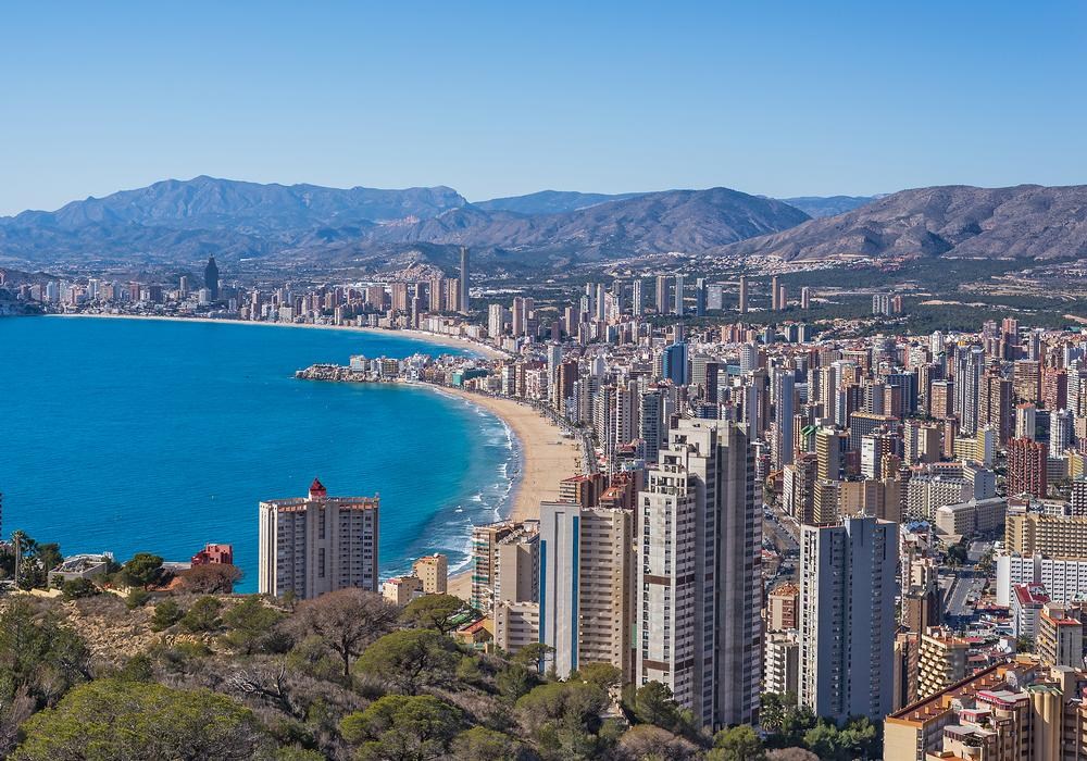 Benidorm is the city with the most 100-metre-plus buildings per person (384 per million) / PHOTO: Shutterstock / Nika Che