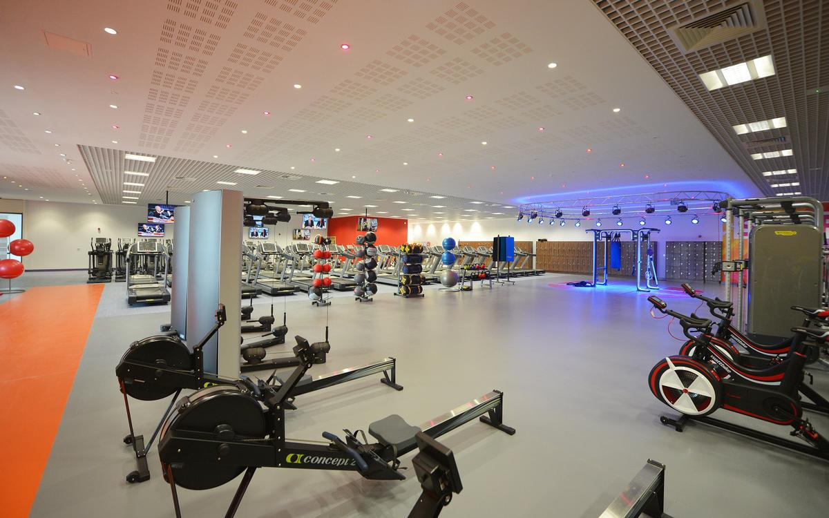 The new centre's gym spans 1,000sq m (10,764sq ft) and features more than 100 cardiovascular and resistance stations