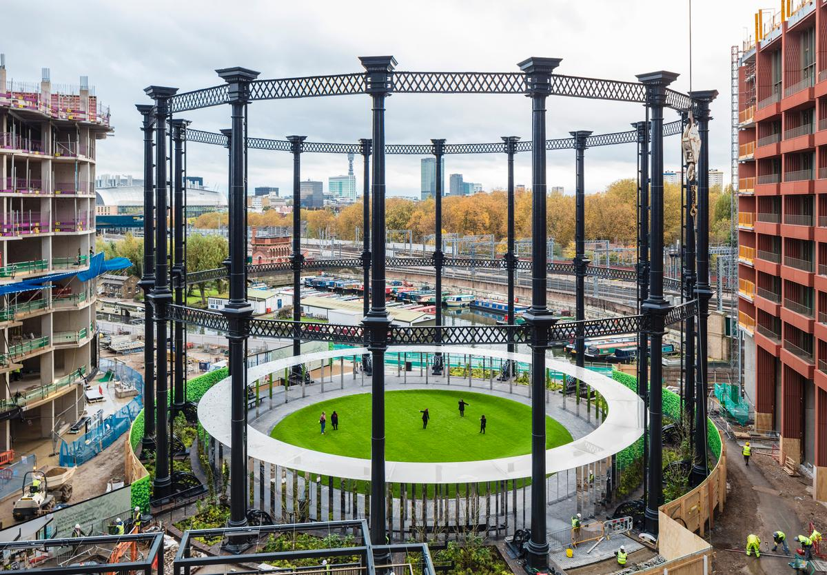 The Victorian gasholder frame was painstakingly dismantled, refurbished and rebuilt to house the park / Bell Phillips Architects