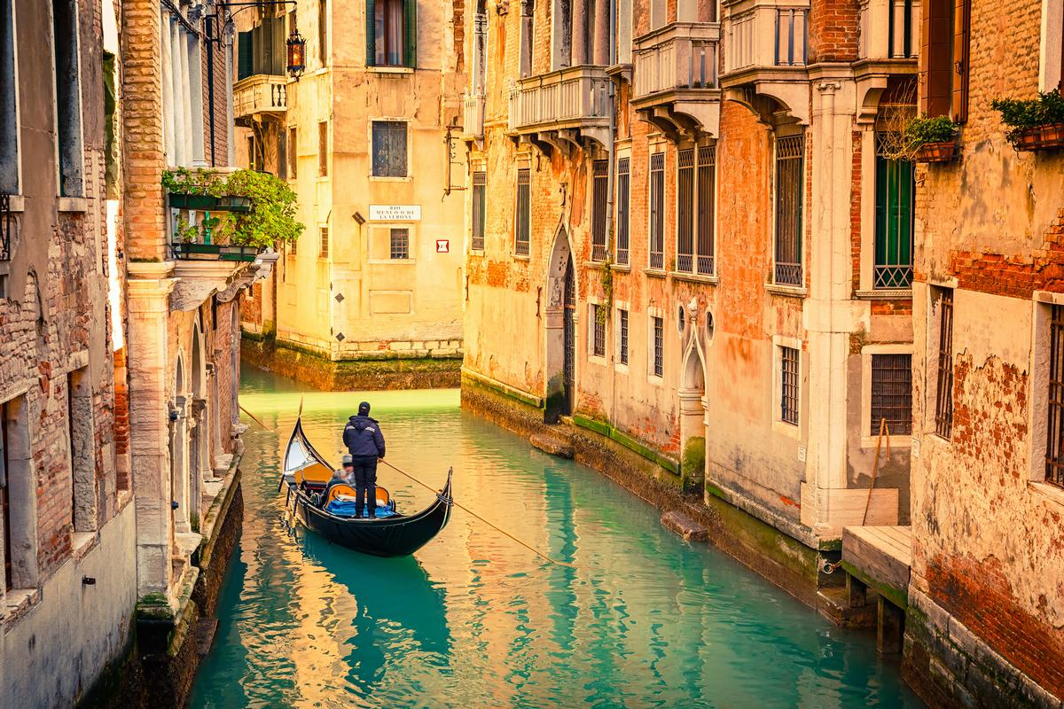 €6m will be used to maintain the foundations of Venice / Shutterstock.com