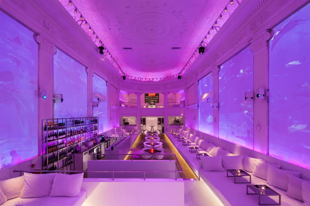 Supperclub claims to provide 'a complete harmony of food, drinks, lights and sound, merged into an atmosphere that offers an escape from the everyday world'  / Concrete/Wouter Van der Sar