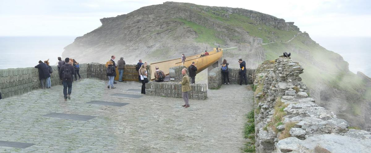 Marks Barfield uses a beam bridge – the oldest and simplest of bridge structures / English Heritage