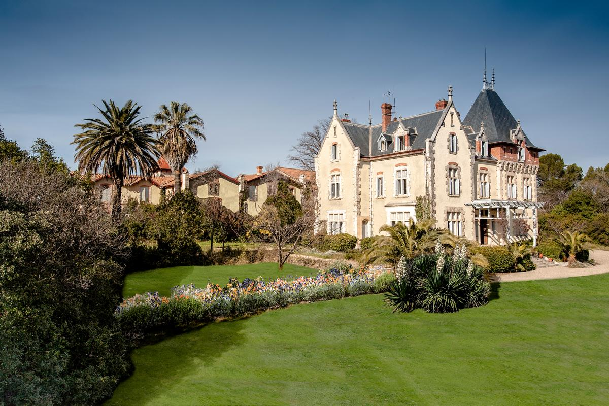 architecture and design news from clad luxurious french chateau to reopen as boutique hotel on. Black Bedroom Furniture Sets. Home Design Ideas