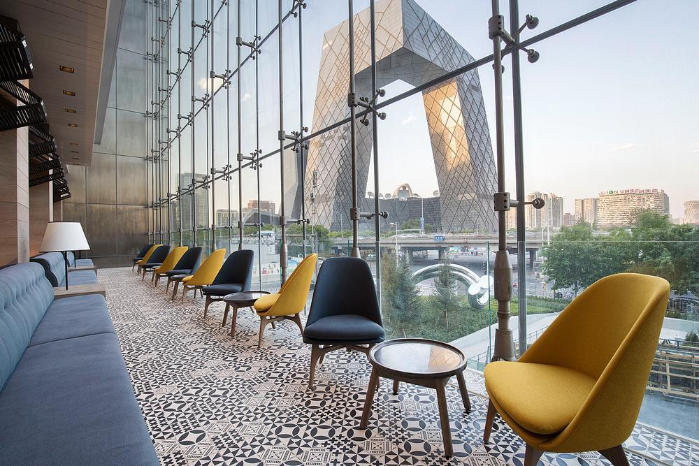 Shangri-La brand Hotel Jen looks over Beijing's skyline / WHAT THE FOX STUDIO