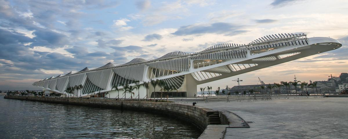 The 30,000sq m (323,000sq ft) white-clad complex features a cantilevering roof supporting a series of large mobile wings / Santiago Calatrava Architects and Engineers