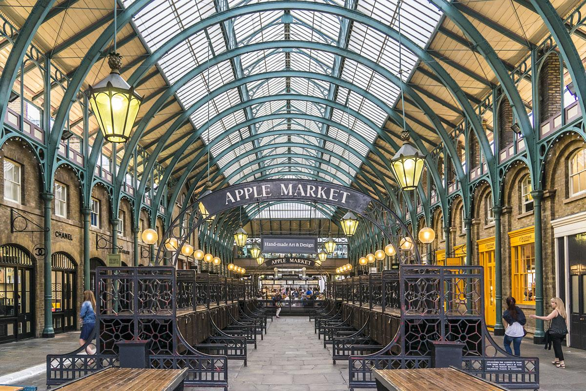 Records of the market can be traced back to 1654, while the current neo-classical structure dates back to the 1830s / Shutterstock / Kiev.Victor