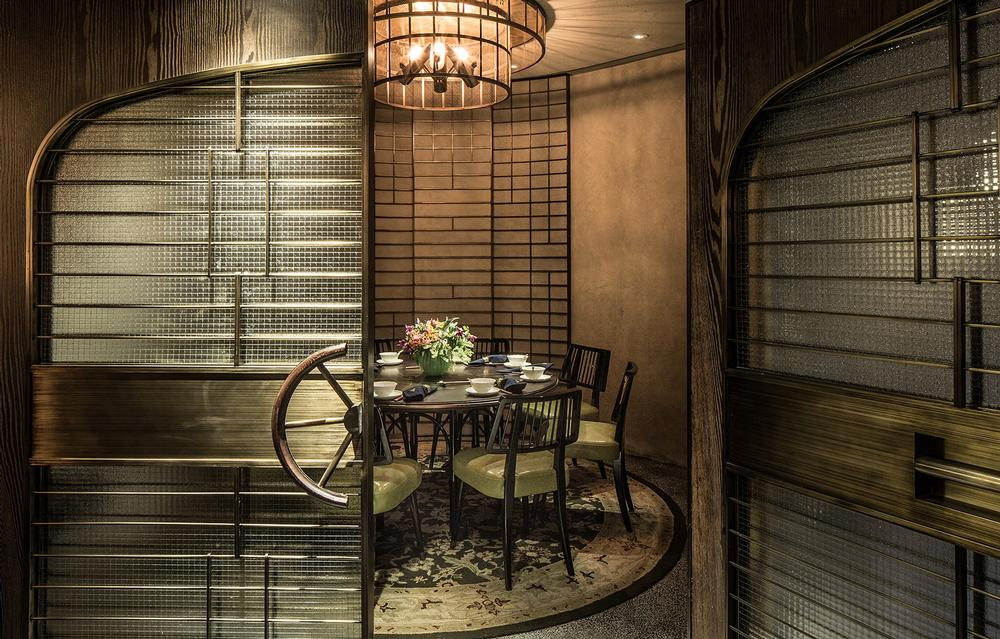Mott 32 features one large general dining area and five small private dining rooms