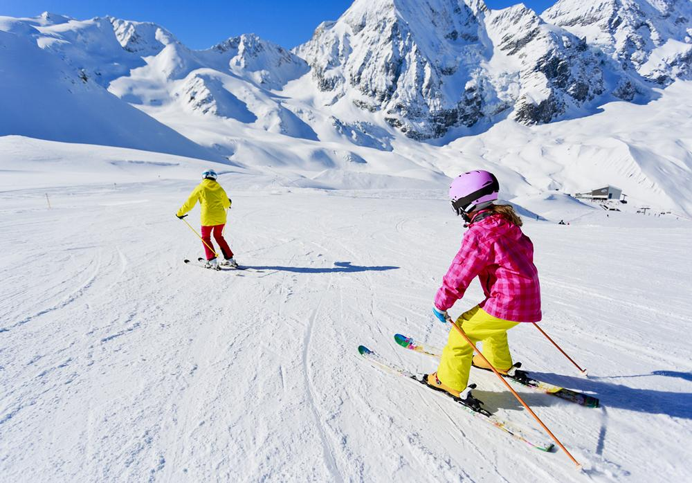 Chill FactorE encourages children to learn to ski / © shutterstock/i gorillaimages