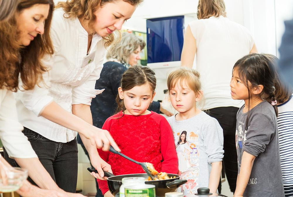 'Eat for Smart' is one of the Foundation's charitable programmes, offering free nutrition courses at schools and kindergartens across Munich
