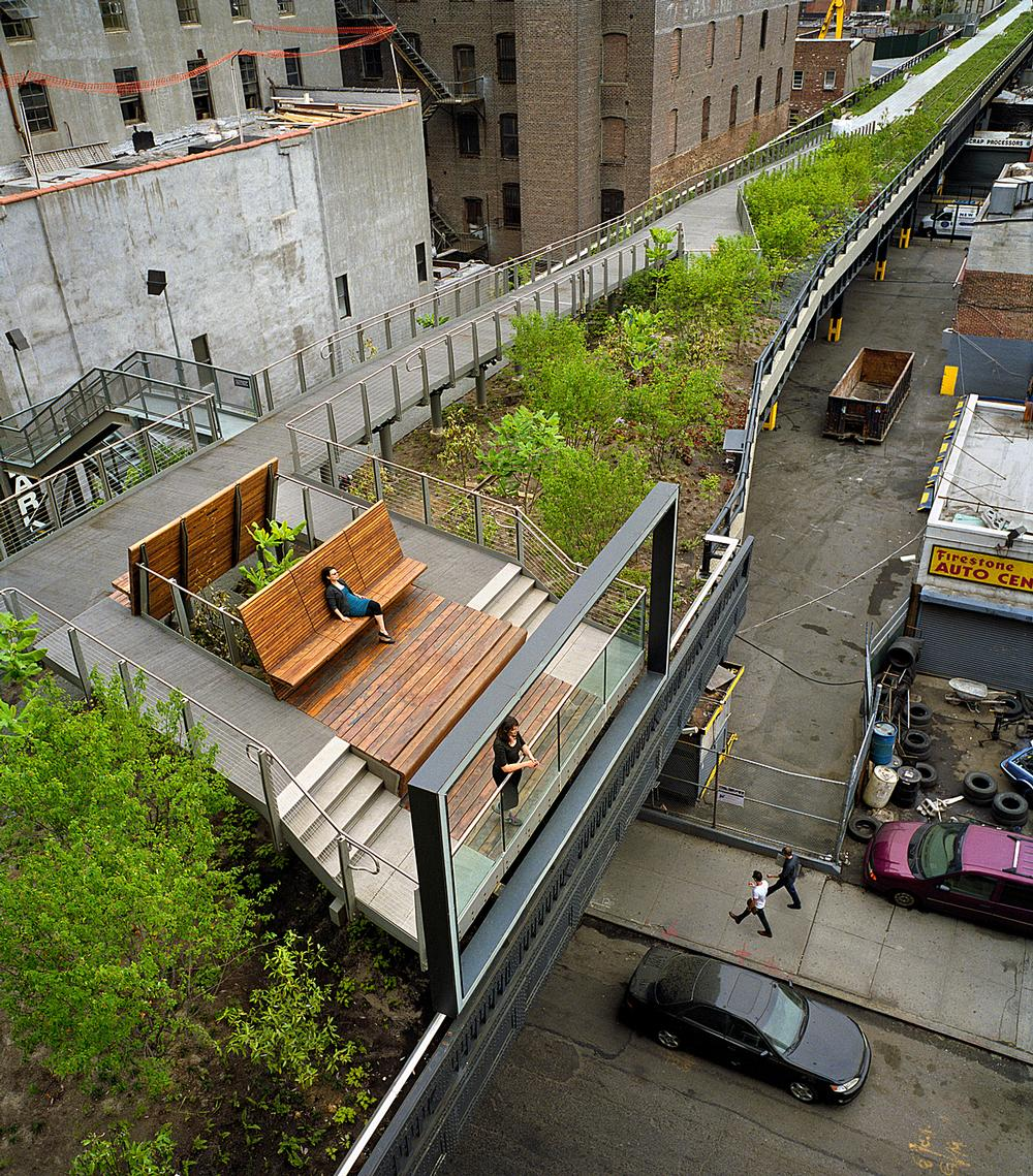 Section two of New York's High Line / Images courtesy of James Corner Field Architects