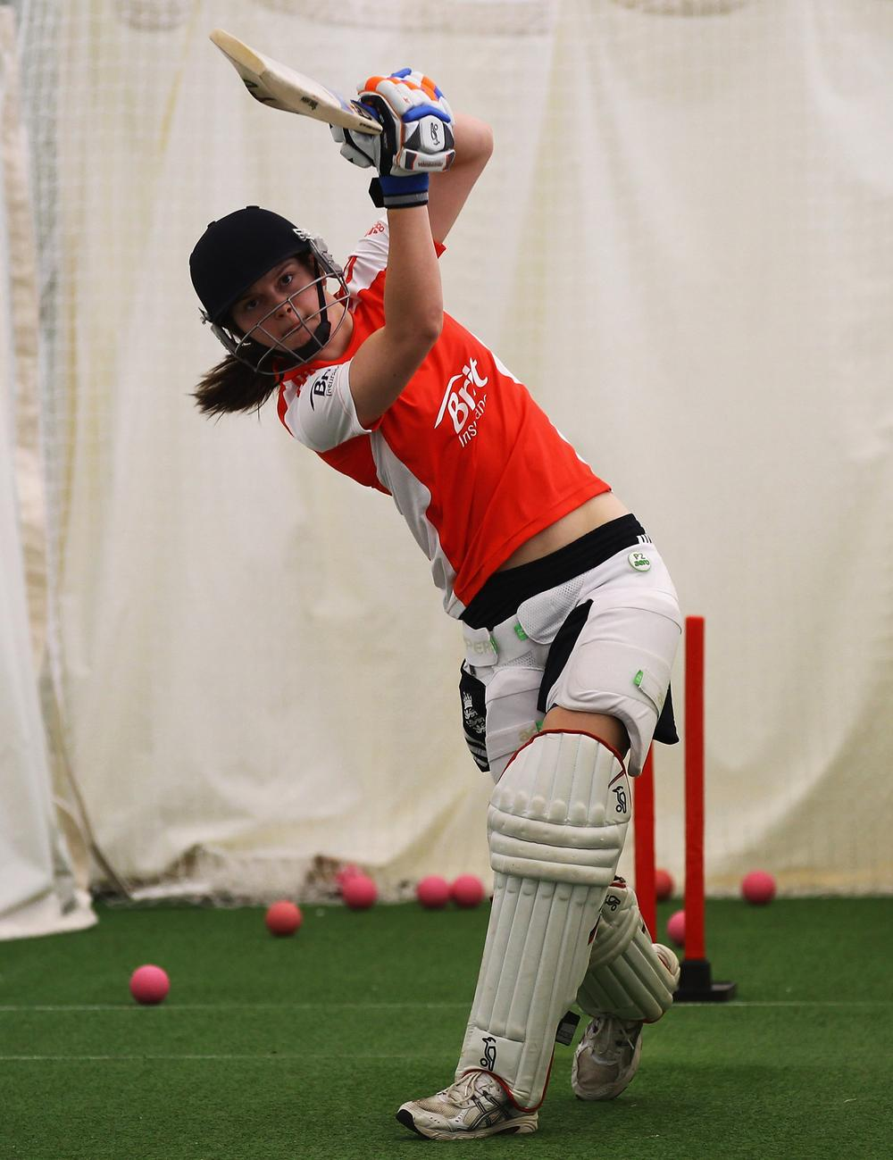 England's Amy Jones in action during an England Women's Cricket Squad training session / PIC: © www.gettyimages.co.uk