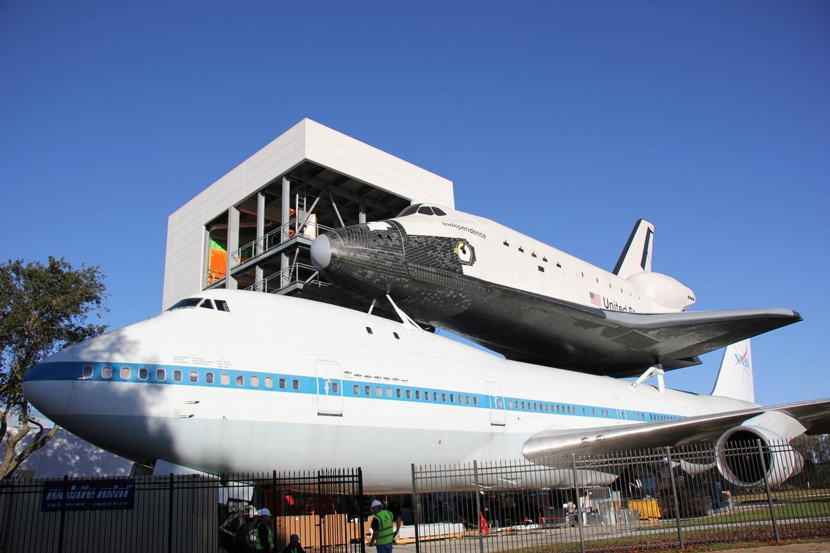 space shuttle landing in houston - photo #12
