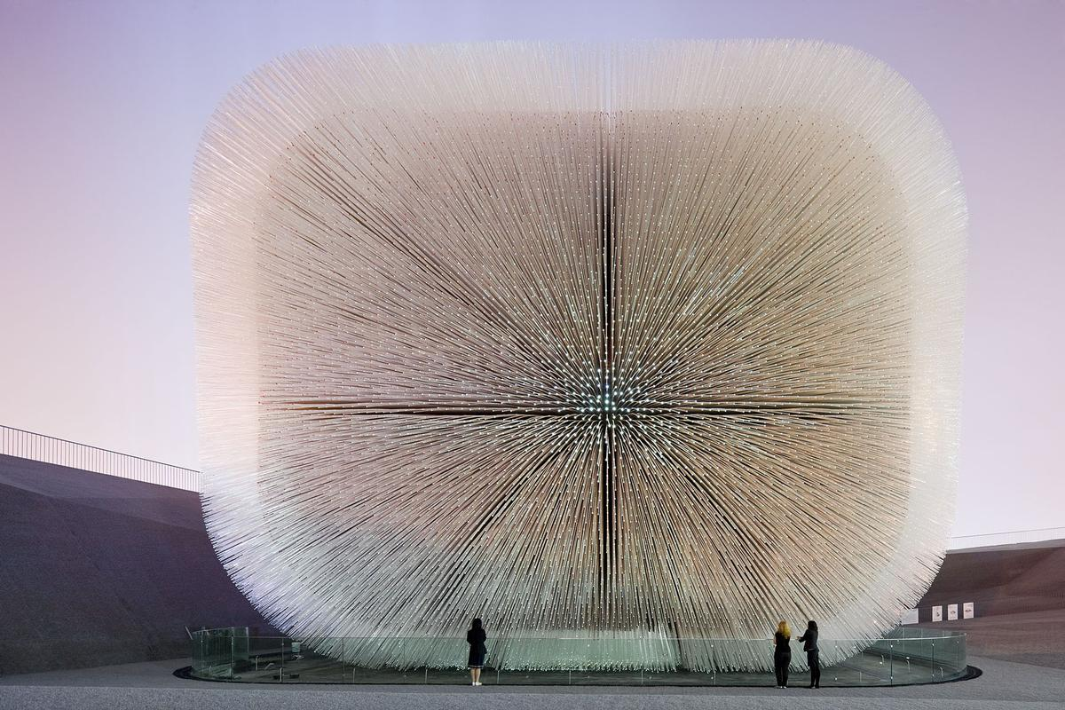 The developers approached Heatherwick Studio after seeing Seed Cathedral, the studio's entry at the 2010 World Expo in Shanghai / Heatherwick Studio