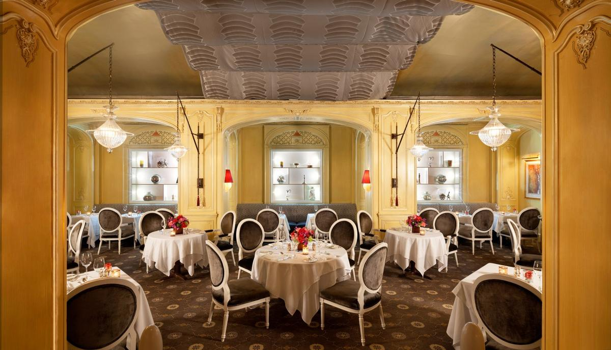 Steinbeck also worked on the design of Arabelle Restaurant at New York's Plaza Athenee / Plaza Athenee