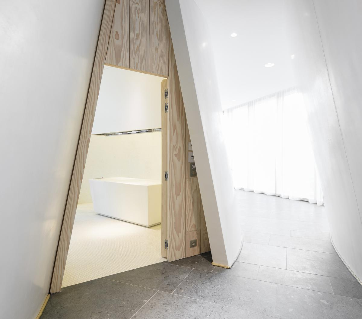 Alaena Spa features Japanese-inspired design / Alaena Spa