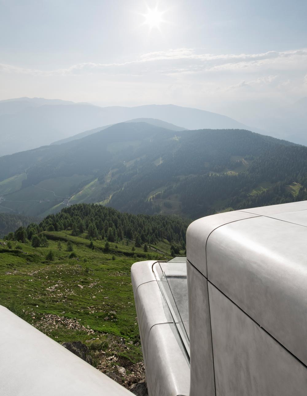 The exterior concrete panels were inspired by the surrounding rock and ice formations / PHOTO: Werner Huthmacher