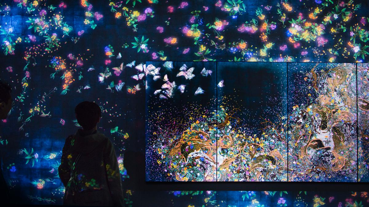 Butterflies, birds and flowers come to life in several of the inmstallations / teamLab