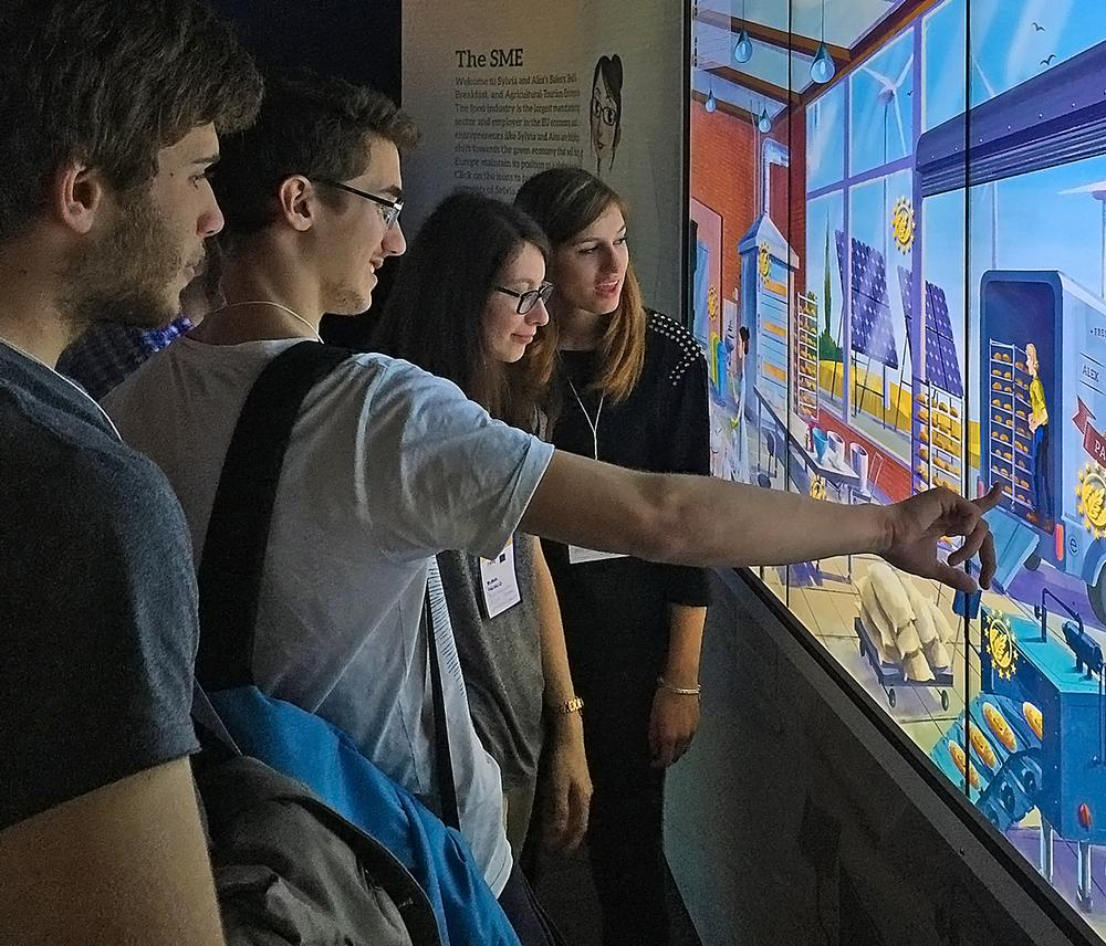 Touch screens in the EU Pavilion / PHOTO © CHRISTIAN LACHEL