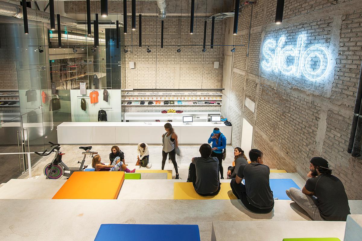 Designer Ignacio Cadena said 'it is an impeccable feat of construction, lighting, structural and acoustic design' / Jaime Navarro Soto